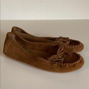 Women's Minnetonka moccasin slippers
